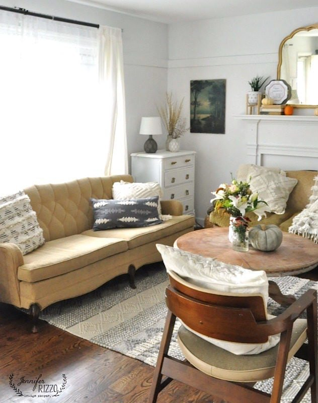 Living room with MCM furniture and simple fall touches