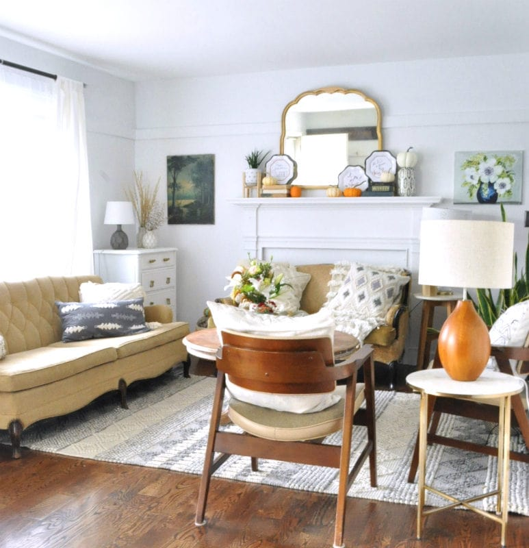 Simple fall touches in our living room and MCM chairs