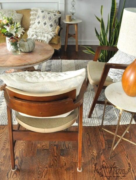 Midecentury modern chairs