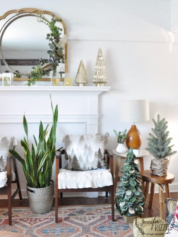MIdcentury modern holiday decor and living room holidy decor