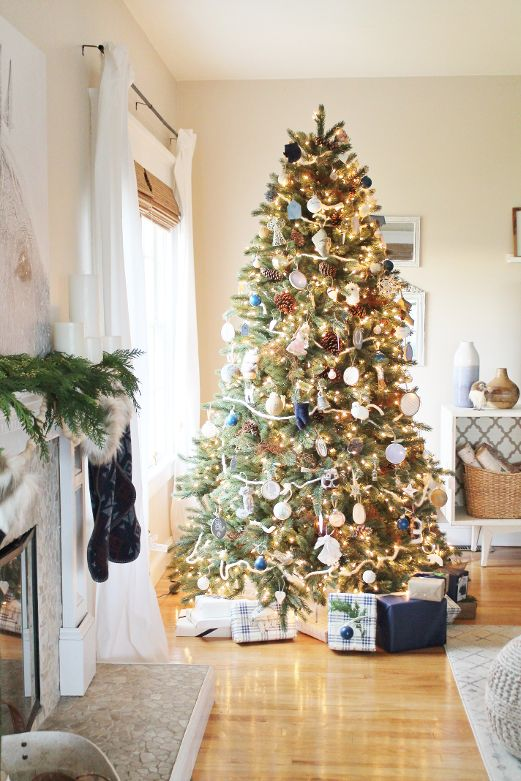 City Farmhouse Christmas Tree