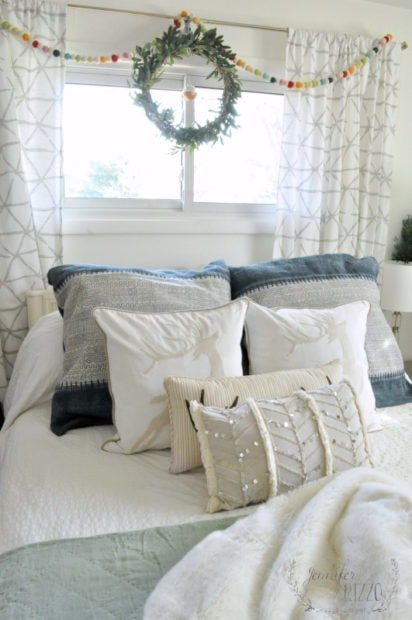 holiday bedroom reindeer pillows