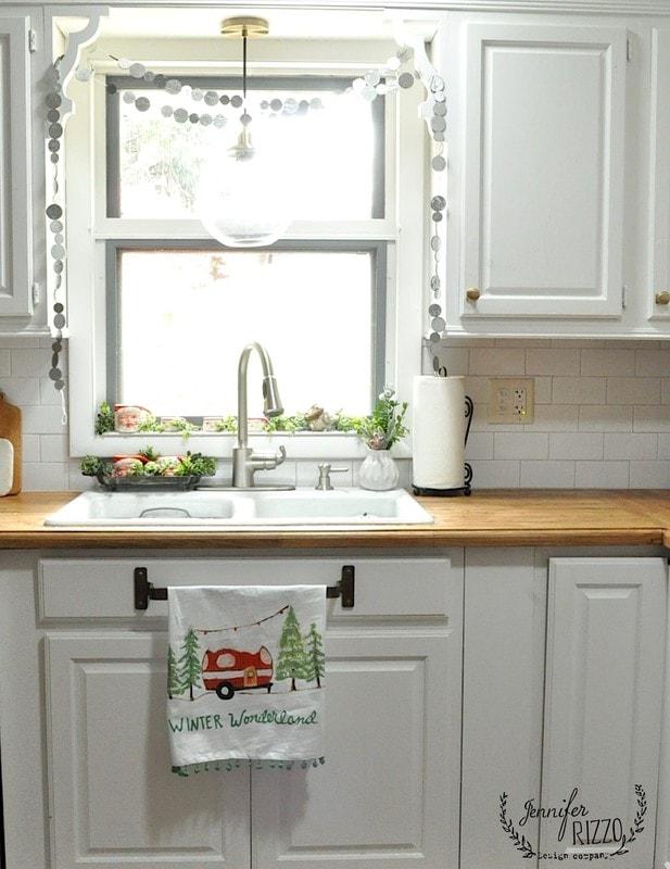 kitchen sink area holiday decor & kitchen sink area holiday decor - Jennifer Rizzo
