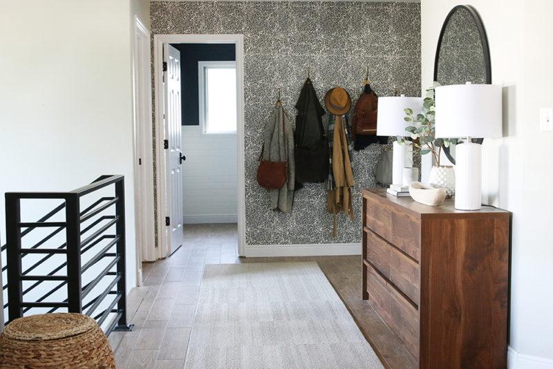 Chris loves Julia Foyer pretty wallpaper