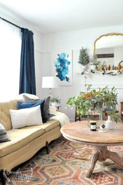 Blue and yellow living room with mid-winter decor