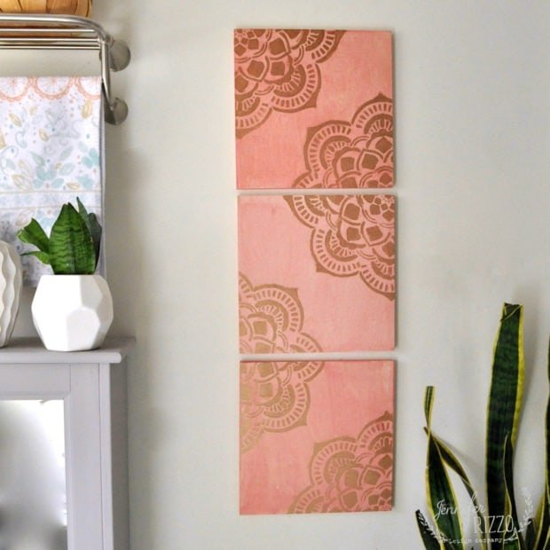 Stenciled wood wall art with mandala stencil DIY