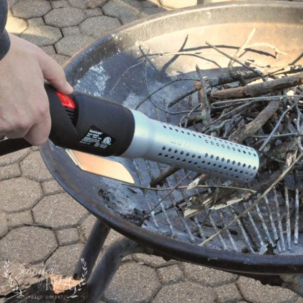 Using the ElectroLight Fire Starter for fire starting
