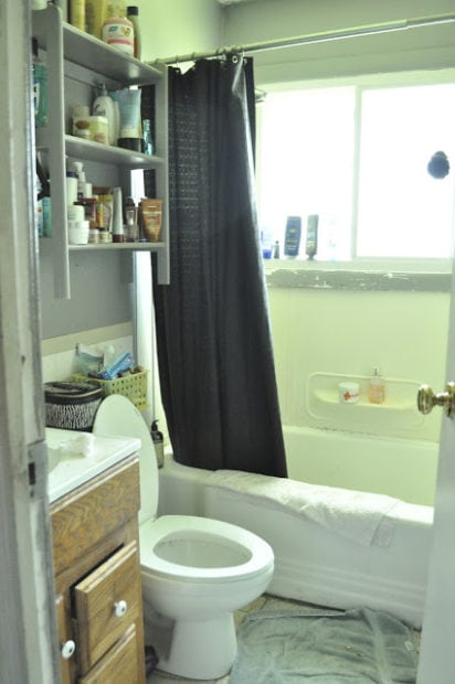 Small bathroom before renovation in a rental house flip