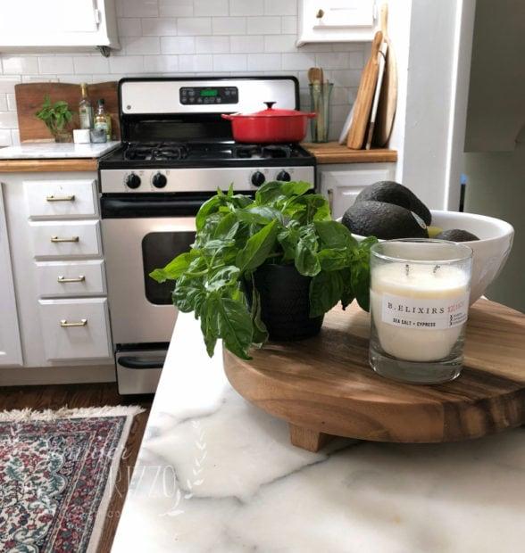 Marble top kitchen island Jennifer Rizzo