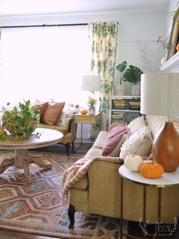 Fall living room decor with plants