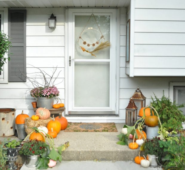 Jennifer Rizzo fall front steo decorated with pumpkins