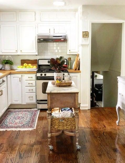 Jennifer Rizzo kitchen no Chandelier