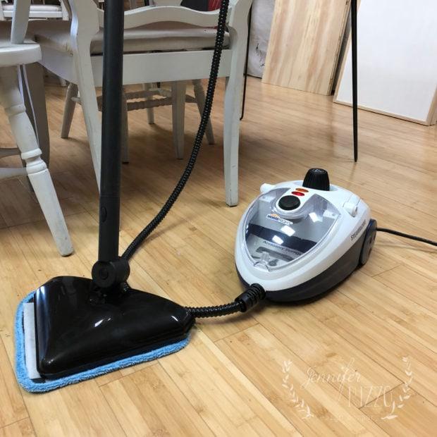 HomeRight SteamMachine Elite foro cleaning vinyl floors