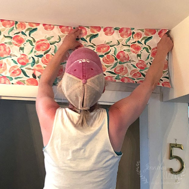Matching a repeat pattern when hanging wallpaper