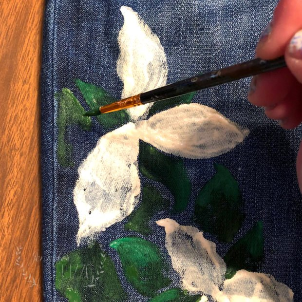 Painting leaves on Trilliums and DIY handpainted jeans