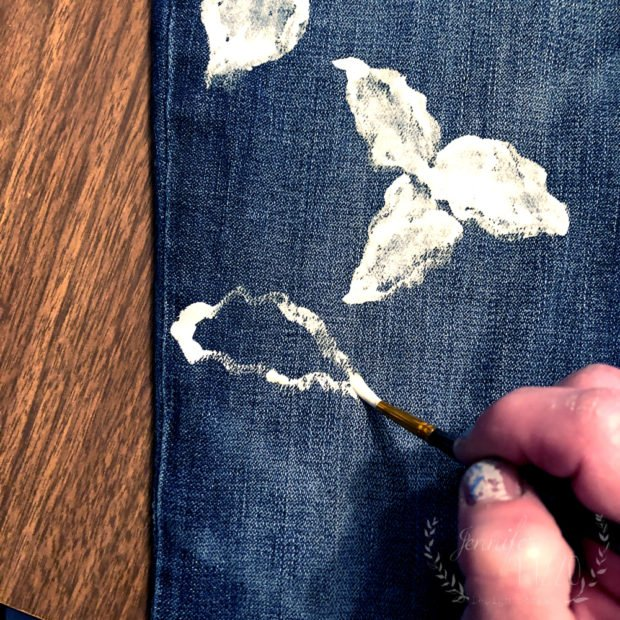 Painting flowers on jeans an easy upcycle DIY