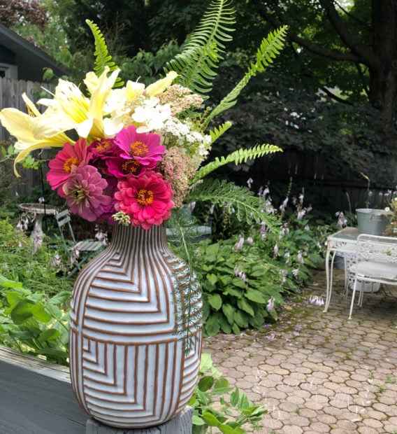 Make beautiful backyard bouquets with these easy tips