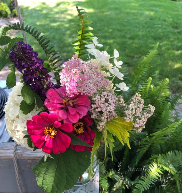Floral arrangement for backyard bouquets