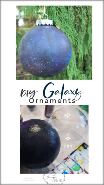 How to paint galaxy ornaments with acrylic paint. #galaxycrafts #DIYgalaxy #paintedgalaxy #DIYornamentideas