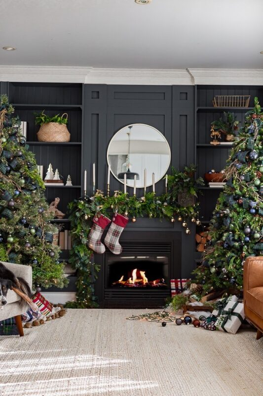 Craftberry Bush Dramatic Christmas Living Room Jennifer Rizzo Housewalk 2019