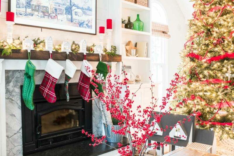 Nina Hendrick bright and cheery holiday house Jennifer Rizzo Housewalk