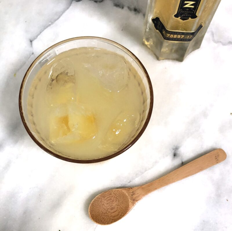 Elderflower and gin cocktail drink