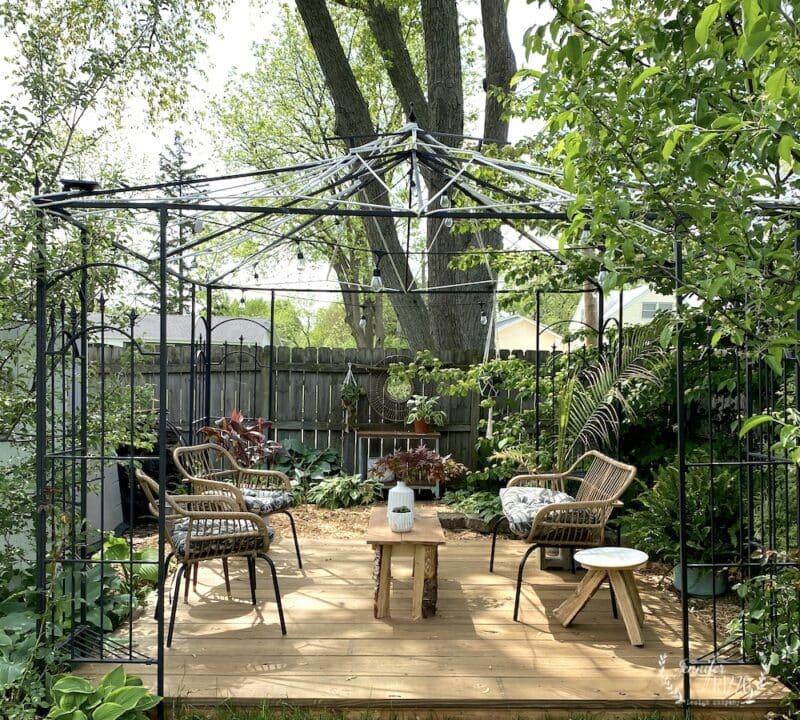 Outdoor patio seating idea