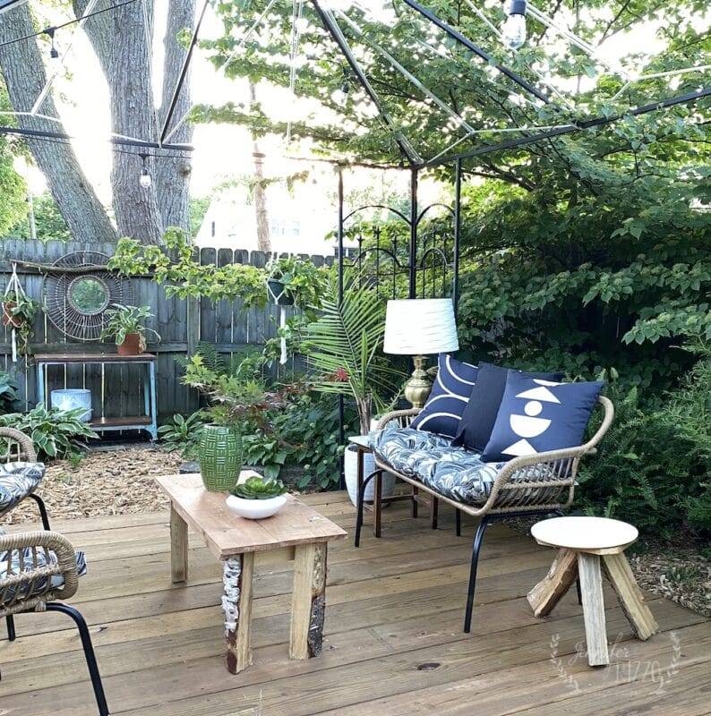 Black and white patio pillows by Jennifer Rizzo Design Company