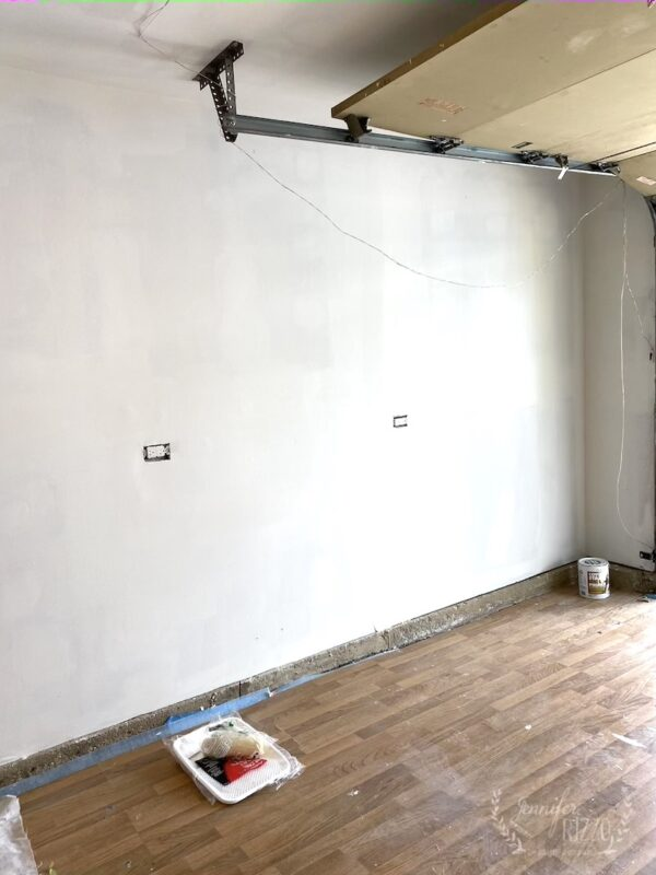 Wall for storage cabinets in studio space