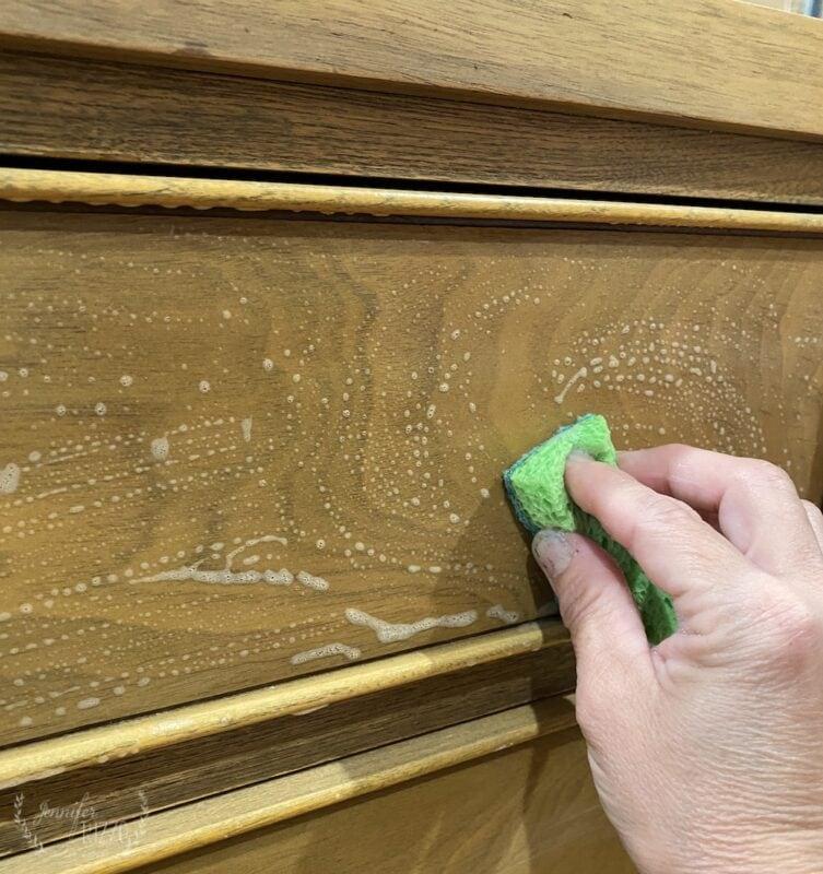 Washing nicotine and smoky smells off of wood furniture