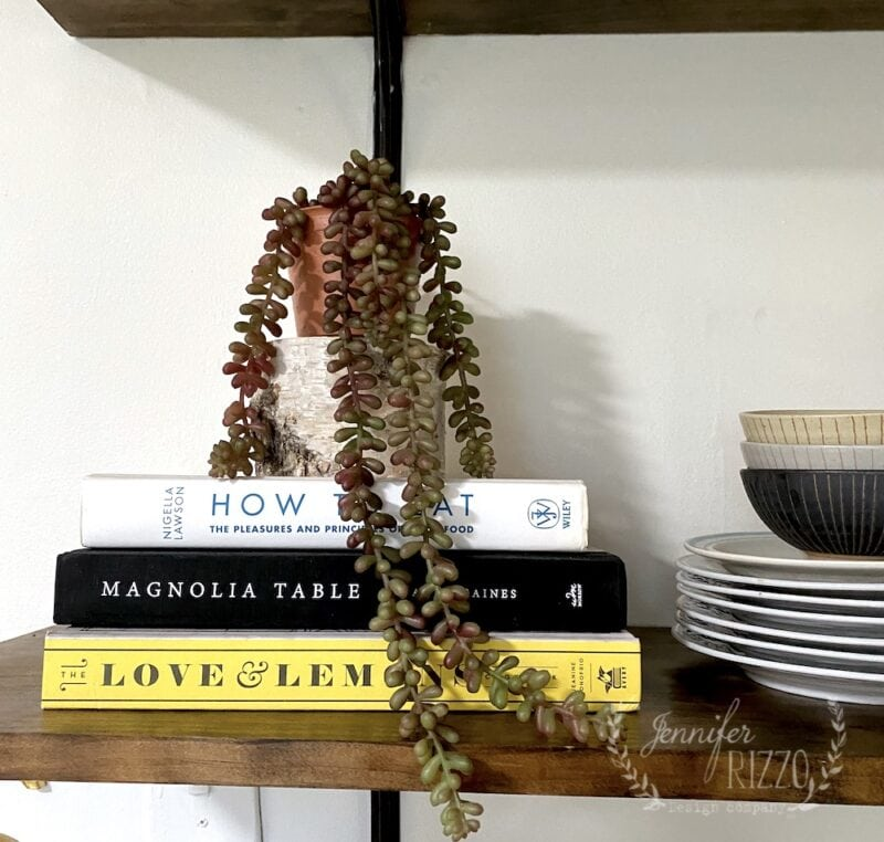 Styling tips: How to style open shelve with books