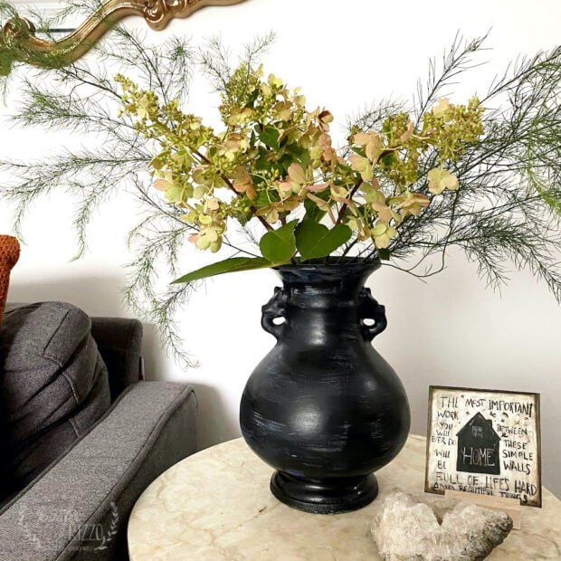 Create a black DIY mud washed vase with chalky paint