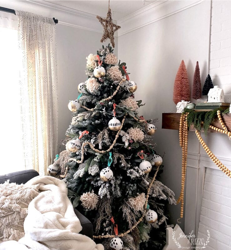 Boho DIY ornament Christmas tree