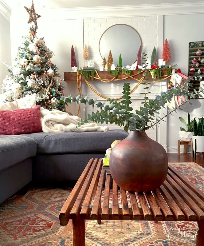Jennifer Rizzo's Boho and Vintage-Inspired MCM Holiday Home