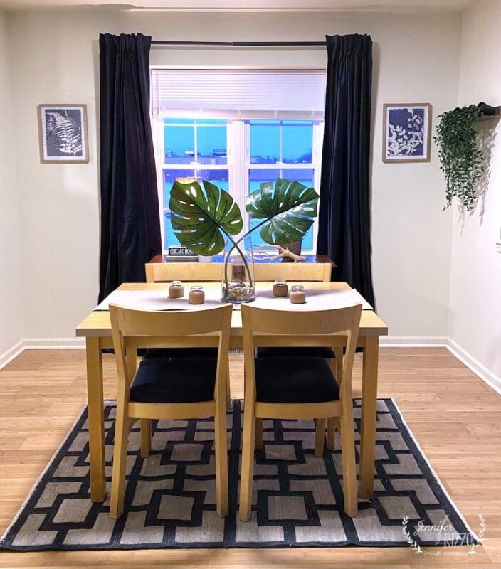 Small townhouse dining area layout