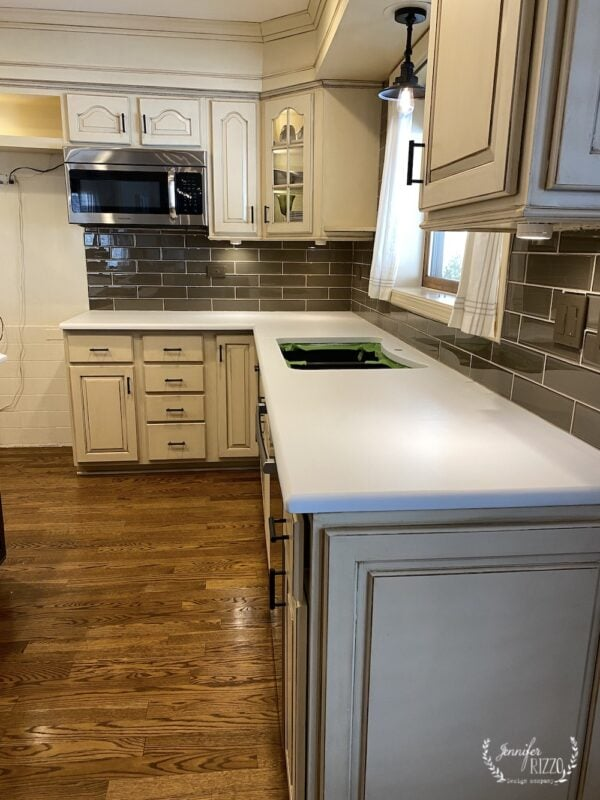 White paint base coat on granite countertops