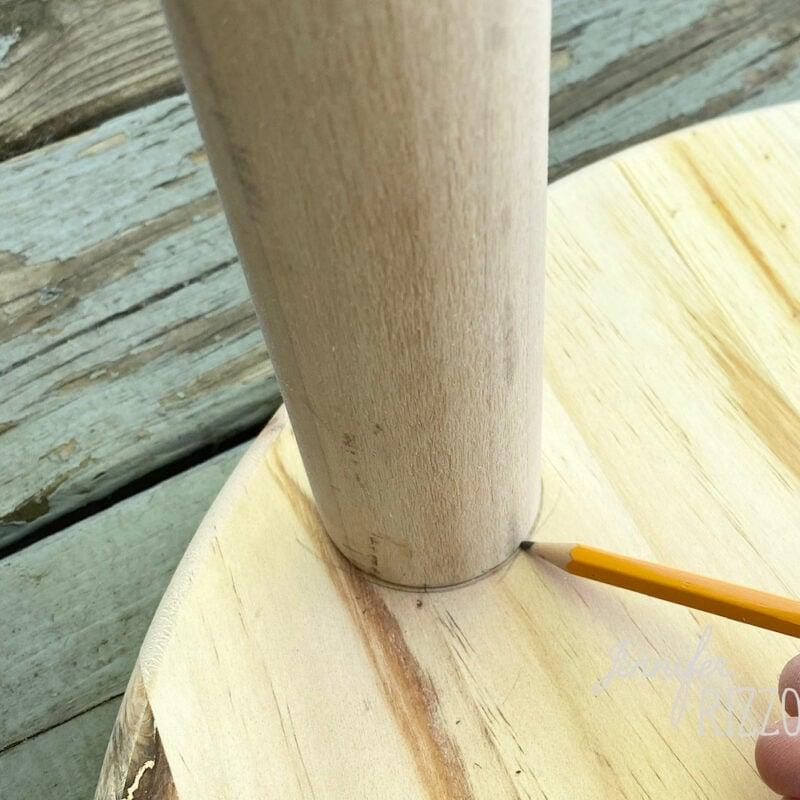 Draw around the dowel rod base
