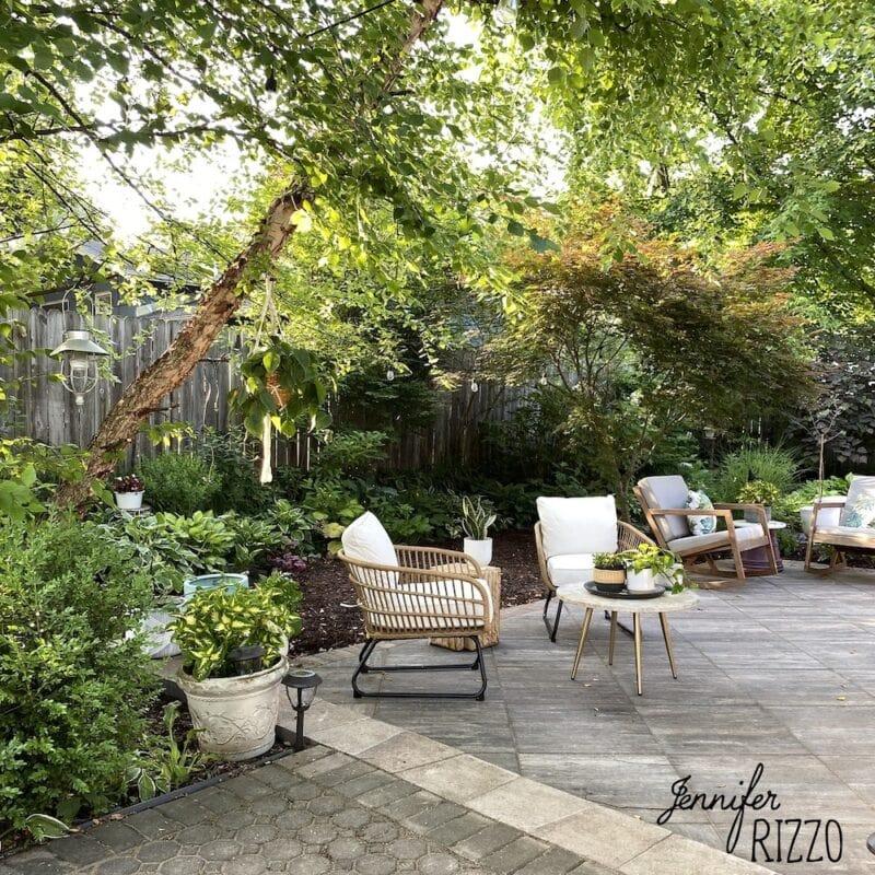 Wooded paver patio idea